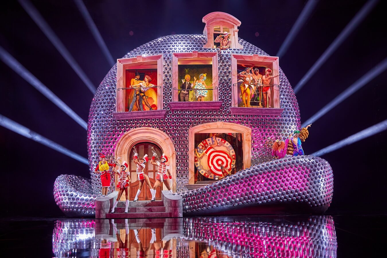 VIVID Grand Show | Palast Berlin | Fun House | Philip Treacy