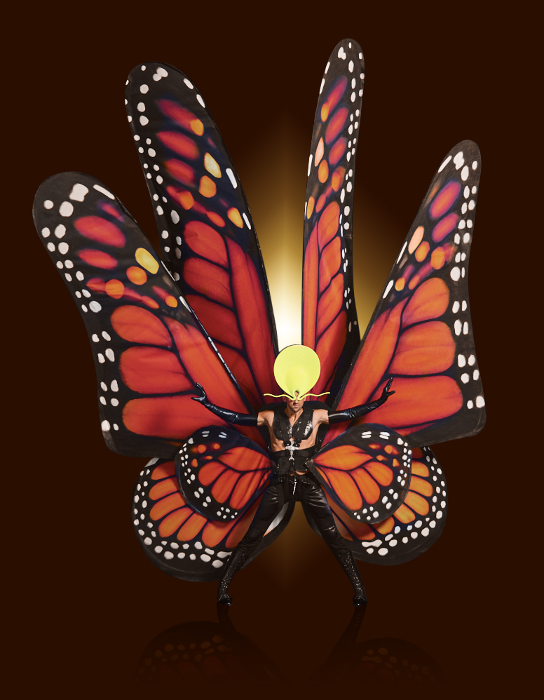VIVID Grand Show | Palast Berlin | Giant Butterfly